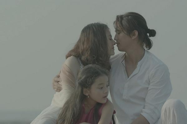 Vân Trang 'Tìm chồng cho mẹ'