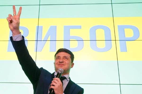 Danh hài Volodymyr Zelensky đắc cử tổng thống Ukraine