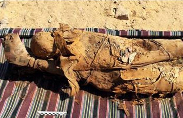 Hơn 30 xác ướp trong mộ cổ 2.000 năm