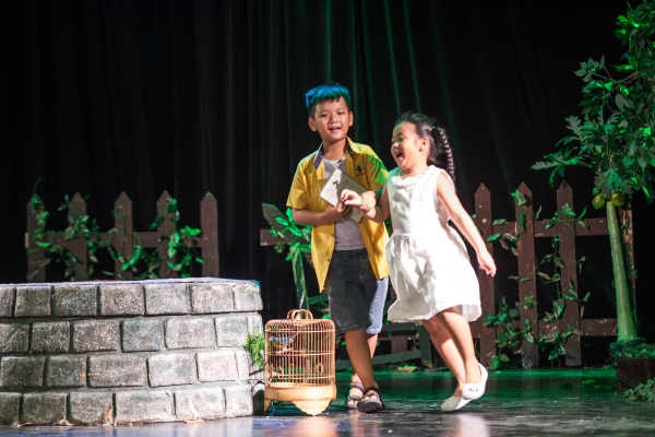 NSƯT Việt Linh – Quyết tâm với sân khấu kịch Hồng Hạc