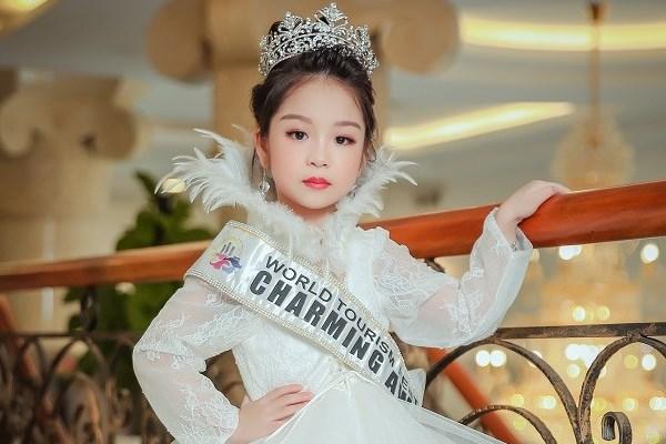 Cô bé Việt Nam đăng quang Hoa hậu nhí Á Âu