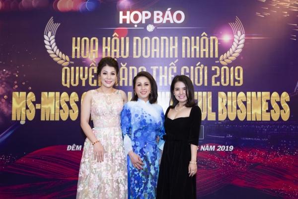 Đàm Hương Thủy ngồi ghế nóng 'Hoa hậu Doanh nhân quyền năng thế giới 2019'