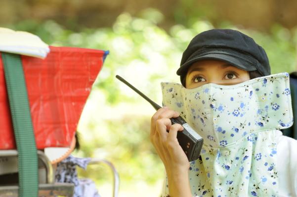 Việt Trinh chống dịch Corona, Tấn Beo nắm tóc... kẻ trọc đầu