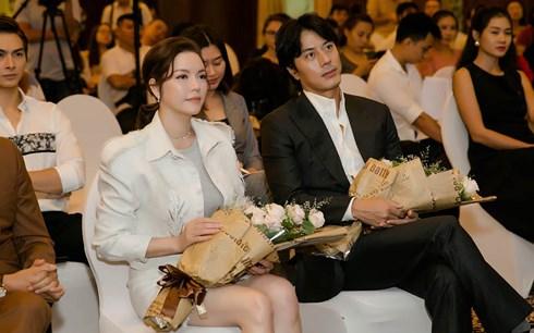 Lý Nhã Kỳ căng thẳng khi đóng cặp với tài tử Han Jae Suk