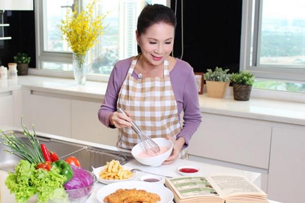 Kim Xuân - Không chỉ là nghệ sĩ yêu nghề mà còn yêu cả chuyện bếp núc