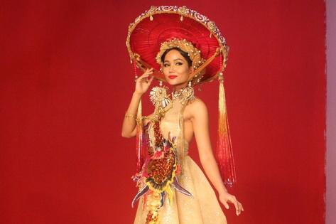 Hé lộ trang phục dân tộc dự thi Hoa hậu Hoàn vũ của H'Hen Niê