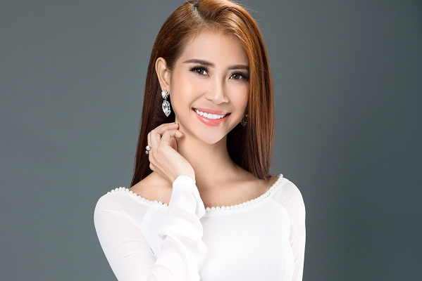 Liên Phương âm thầm lên đường tham gia Hoa hậu Đại sứ du lịch Thế giới 2017
