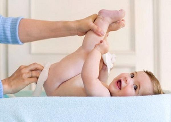 Lười thay bỉm có thể khiến trẻ bị sỏi thận