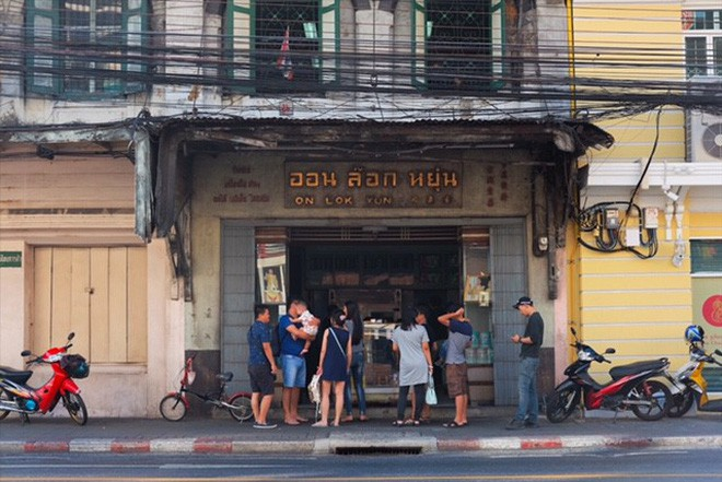 Đi Thái Lan đừng quên ghé lại quán ăn On Lok Yun
