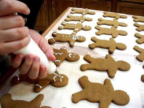 Làm bánh cookies cực xinh tặng người thân dịp Noel