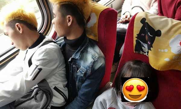 Hành động đẹp của hai thanh niên Việt được cư dân mạng Đài Loan tán dương