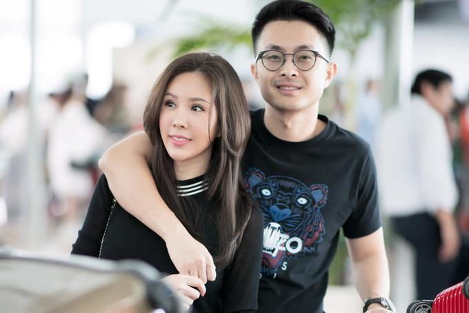 Hoa hậu phu nhân Thu Hoài hạnh phúc bên bạn trai kém tuổi
