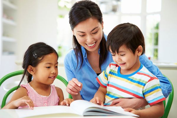 """6 cách cha mẹ giúp con """"giữ lửa"""" trong học tập"""