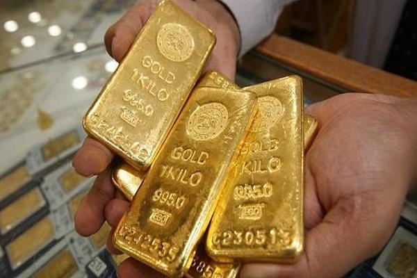 Giá vàng tăng mạnh, tiến sát mốc 59 triệu đồng/lượng