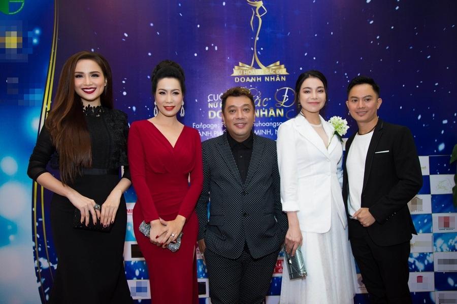 Á hậu Trịnh Kim Chi ngồi ghế nóng 'Nữ hoàng Sắc đẹp Doanh nhân 2018'